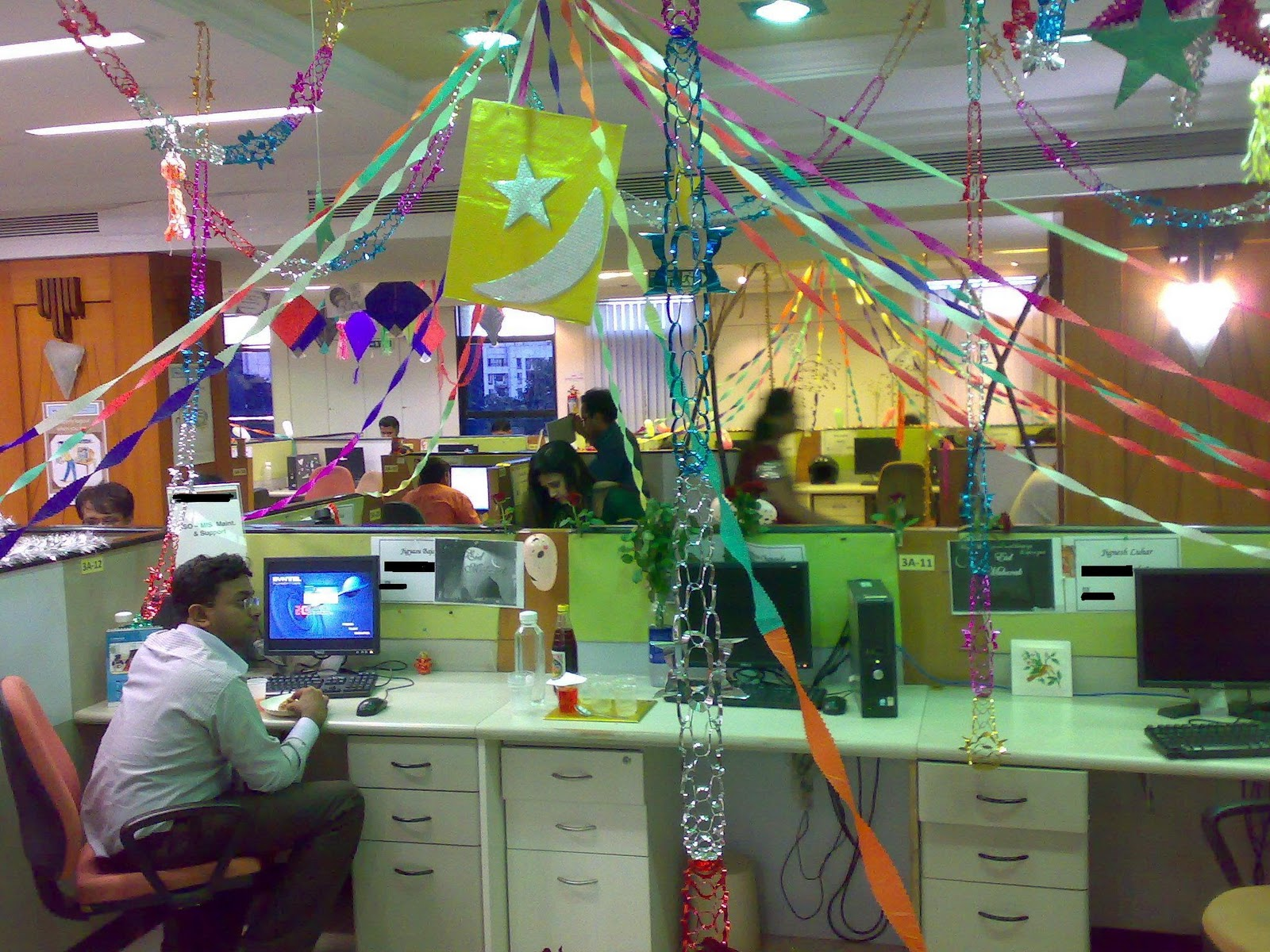 halloween cubicle themes