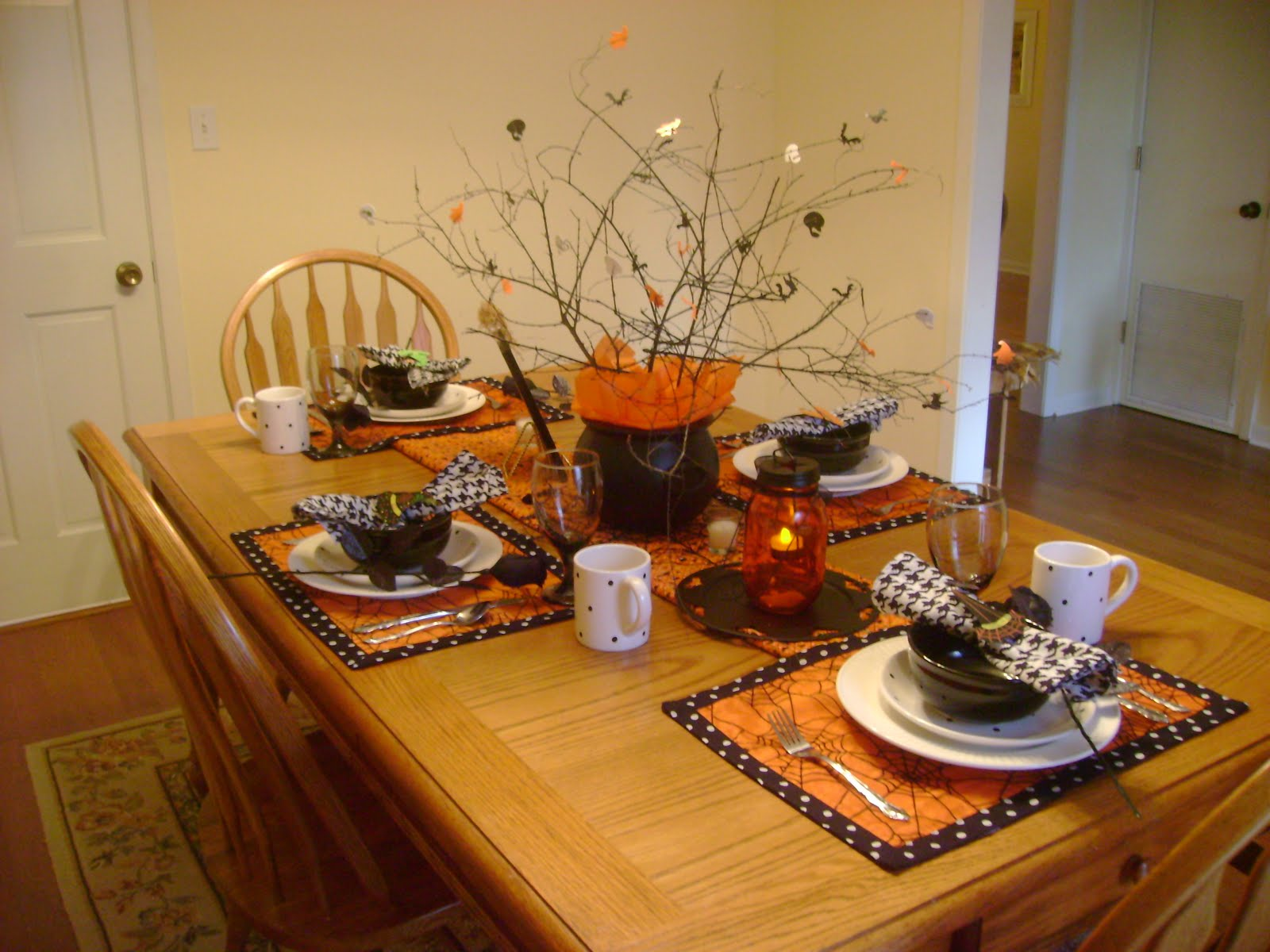 12 Ideas To Decorate Your Table For Halloween Interior