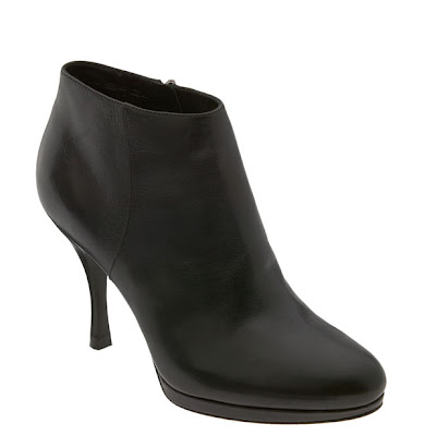 "Great Short Boots in Small Shoe Sizes: Via Spiga ""Linden"" Bootie"