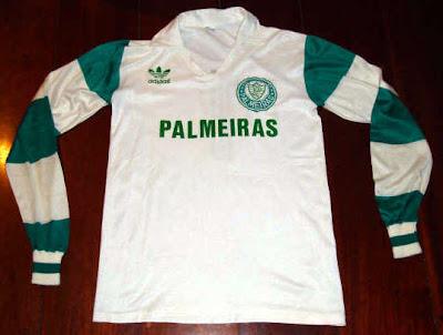 b6c0bcf7cd A camisa foi utilizada pelo goleiro Leão