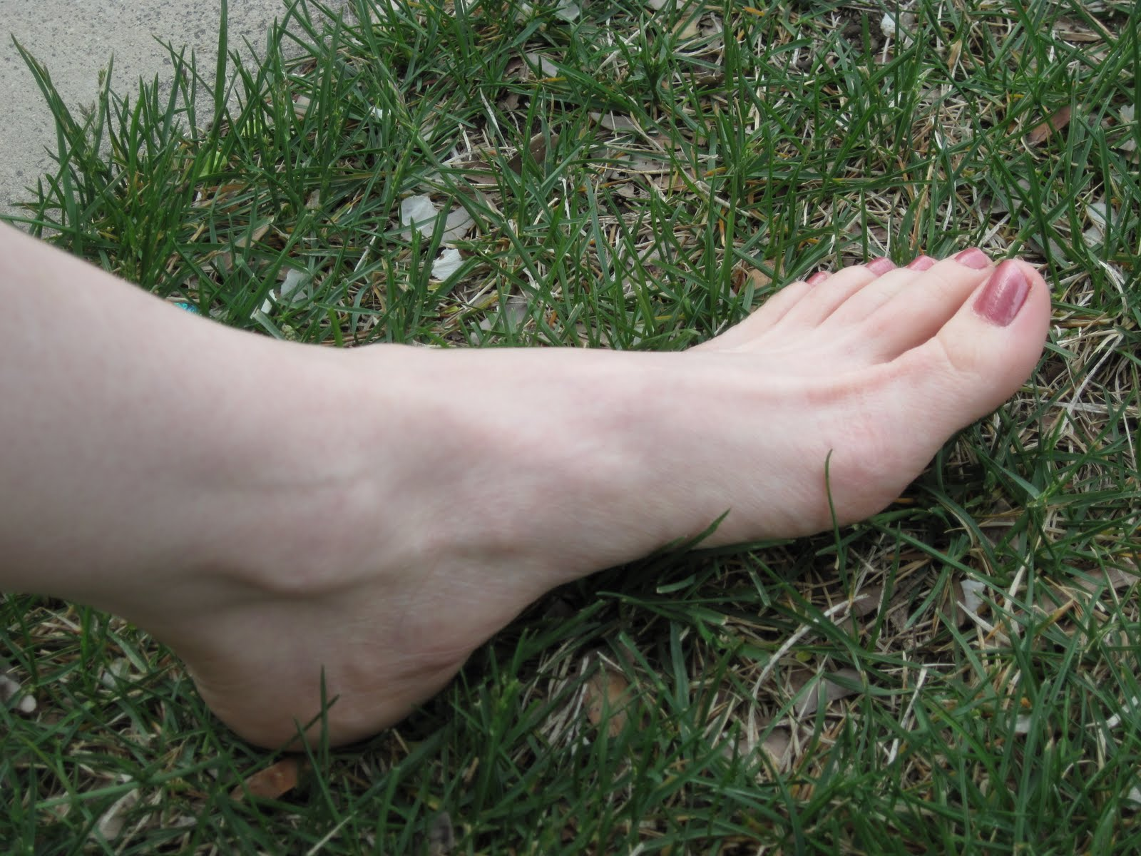 Redhead feet pics