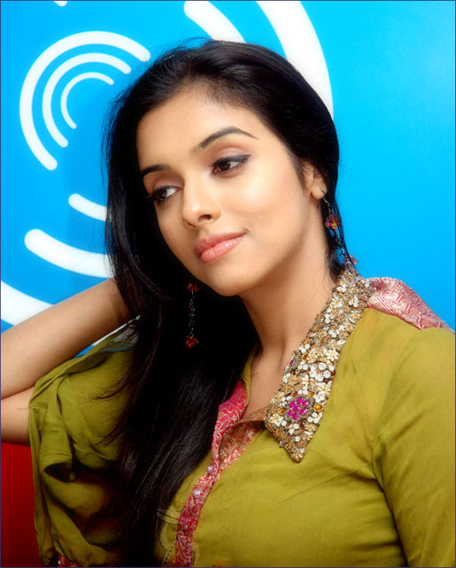 Bollywood Actress Asin Thottumkal  Latest Hot Sexy Photo -7477