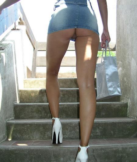 super short mini skirt no panty