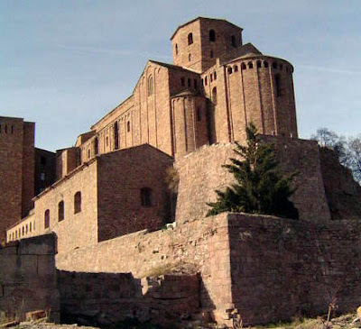 Le Chateau De Cardona Est Une Monumentale Forteresse Batie Sur Colline Qui Domine La Ville A 589 M