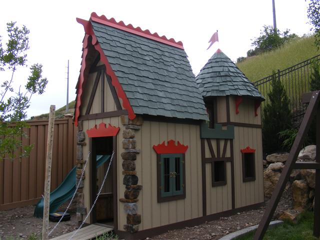 Do It Yourself Home Design: Fancy Builder: Featured Project: Krohns Castle Playhouse