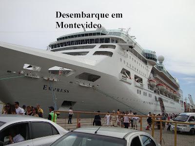 Navio Empress ancorado em Montevidéu