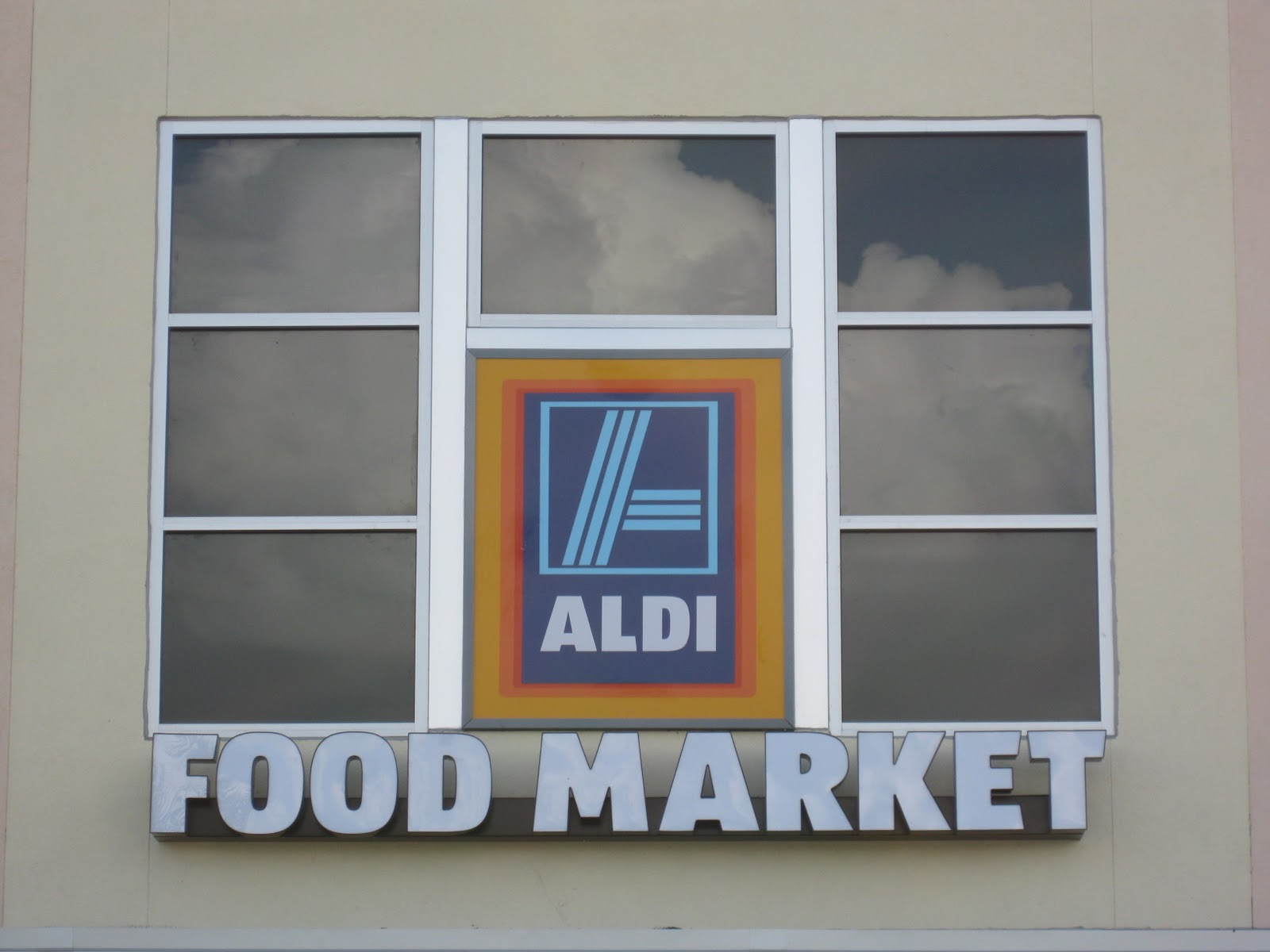 The Aldi Spot - Helping You Save: February 2011