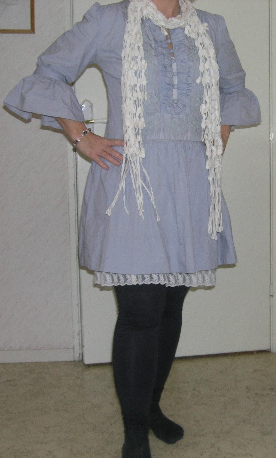 8696f18c29b0 Och det är inte en molly alls idag: joy underklänning i benvitt, fyndscarf  från Kappahl och vad-den-nu-heter tunika från Hunky Dory i china blue.