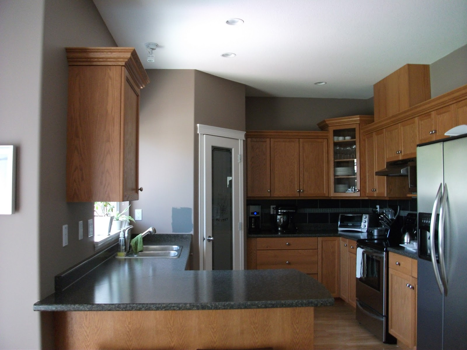 How To Make Honey Oak Cabinets Look Modern Answerplane Com