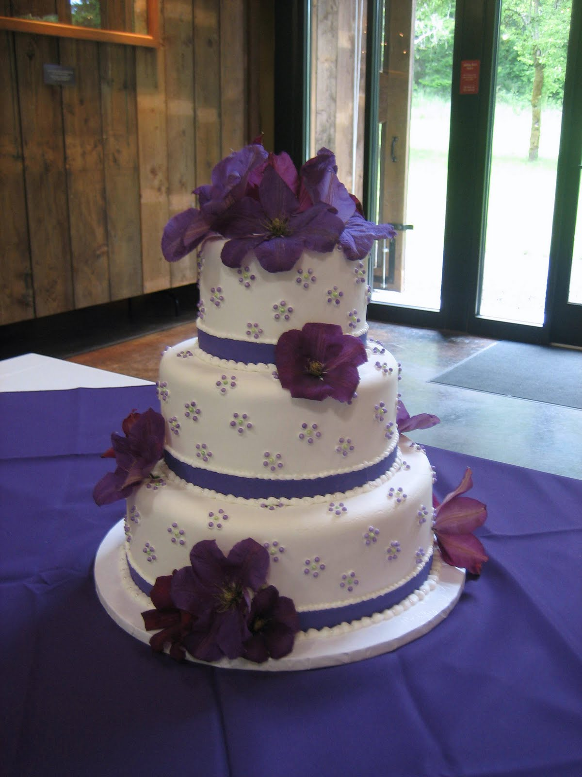 green and purple wedding cakes jillicious discoveries three purple wedding cakes 14959