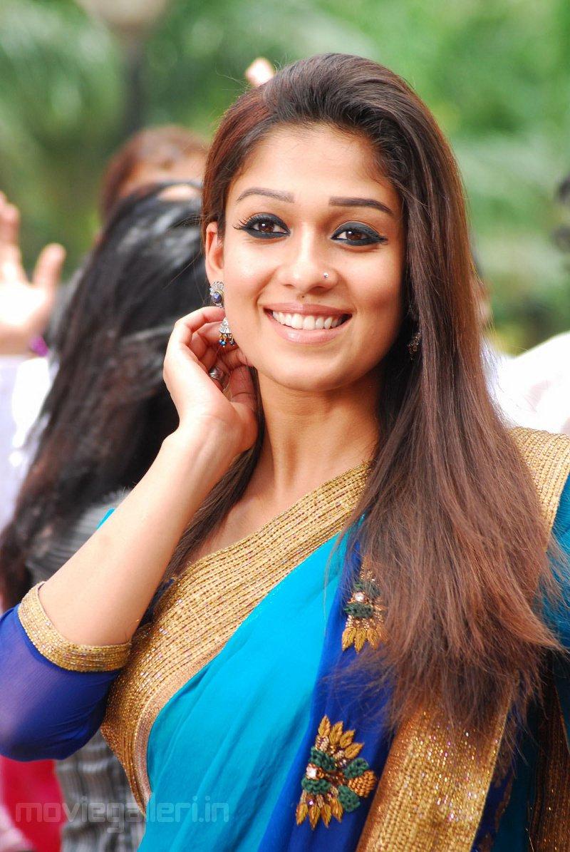 Test Nayanthara Cute Saree Stills In Super Movie-8513