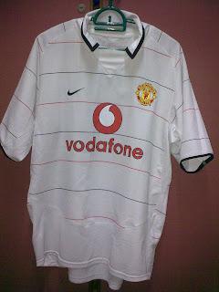 244c7596a6c Manchester United third kit S S season 03 04 with Ronaldo s NNs