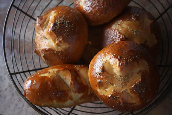 pretzel hamburger buns recipe