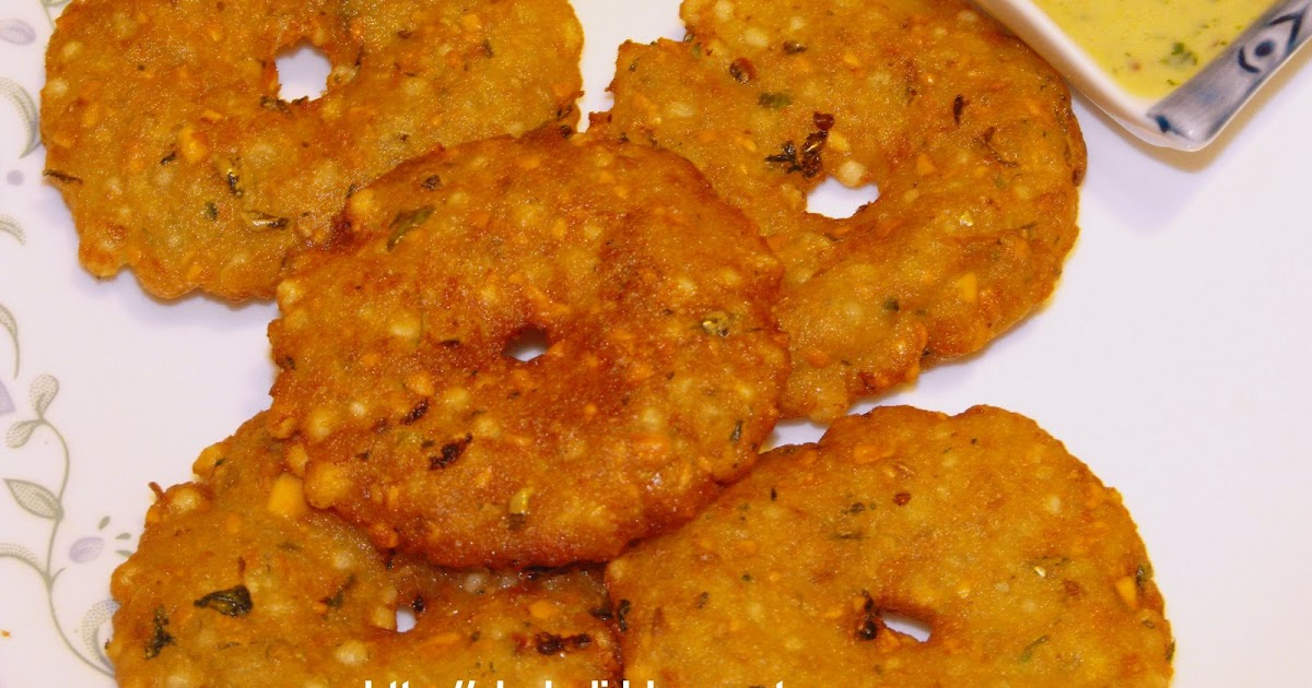 Sabudana Cake Recipe In Marathi: Batata Sabudana Puri (Potato Puri)