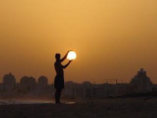 http://4.bp.blogspot.com/_LoA1TEzeMxg/SNI0rDALxPI/AAAAAAAAADw/Ah4E-iaSQ38/s320/matahari.jpg