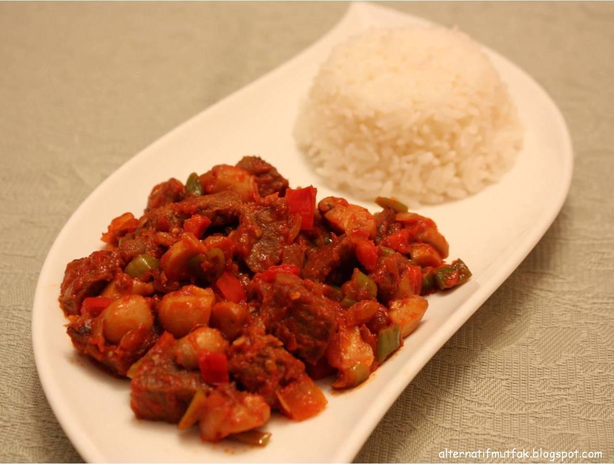 Sebzeli Mantarlı Et Yemeği Tarifi