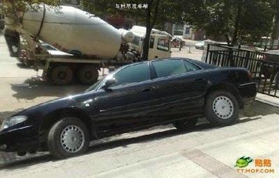 Foto Cara Parkir Mobil Super Keren Susah Ditiru Pasti Ditangkap Polisi Gambar Mobil Parkir Cool Picture