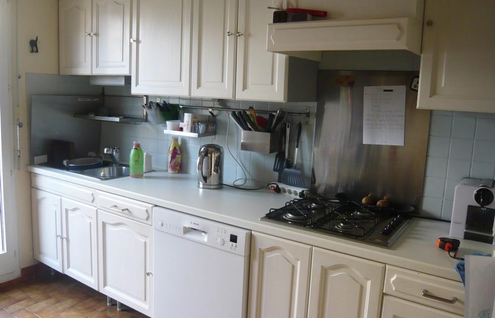 ainsi font font font poser une cr dence dans la cuisine. Black Bedroom Furniture Sets. Home Design Ideas