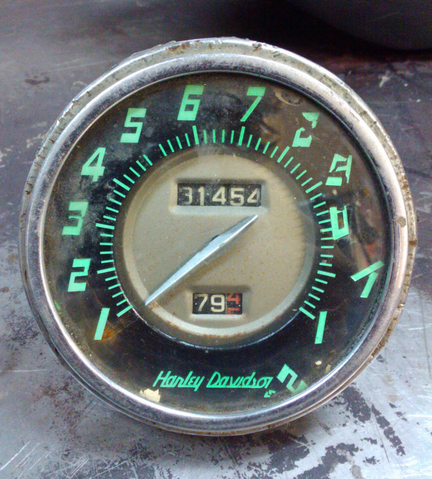 LOVE CYCLES: 1956- 1961 Panhead speedo 4 SALE