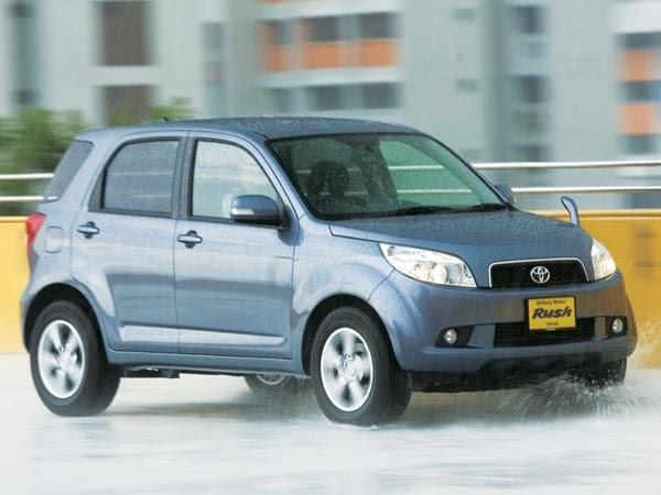 Mobil Toyota Rush G Matik 2010