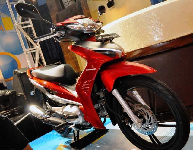 Foto Gambar Honda CBR Beat CS1 Revo Blade 110R FitX Modif