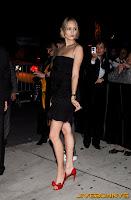 Leelee Sobieski black dress