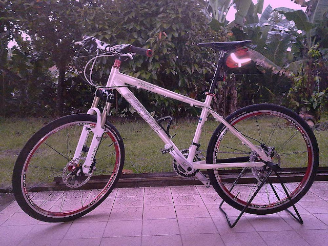 11kg KONA Cinder Cone Mountain Bike