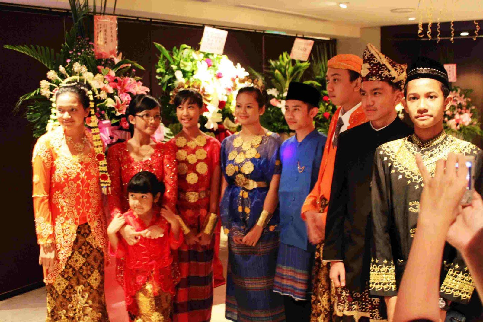 你好! 我叫鄭翠芳: 印尼傳統服飾 batik