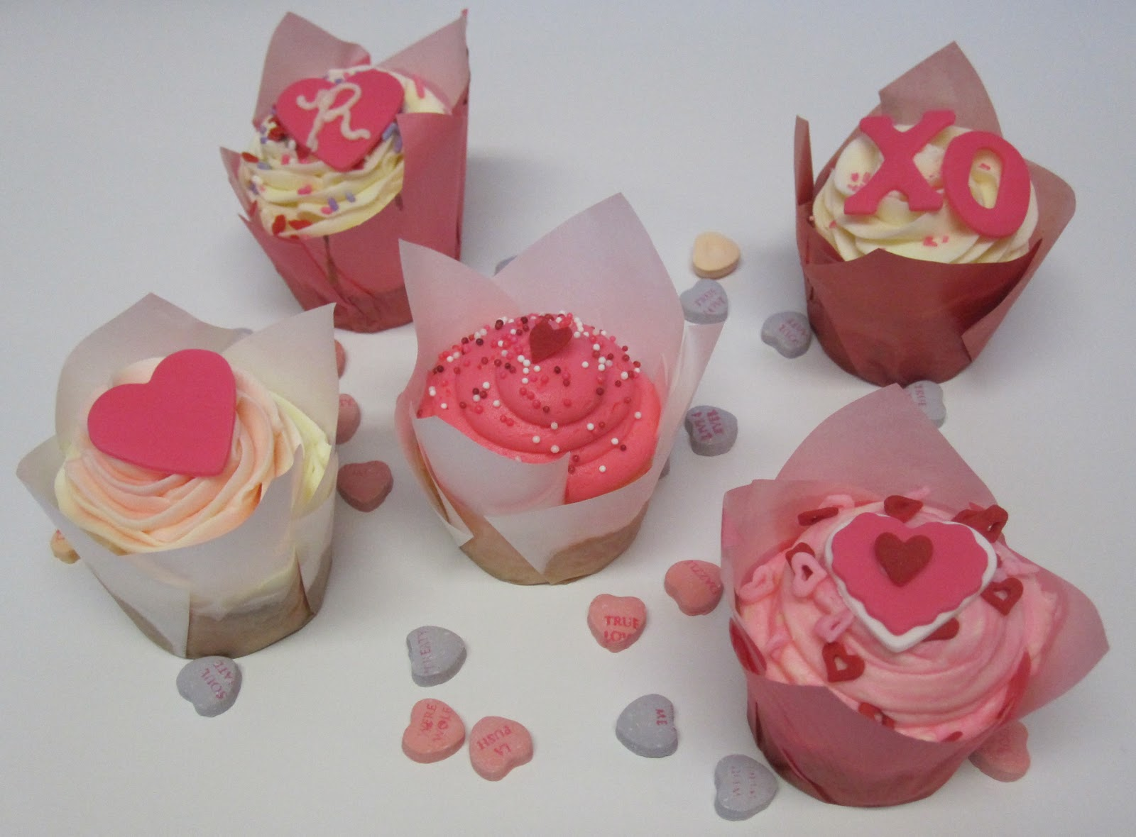 LovelyGirls Weddings + Events: Marry Me Cupcakes... We Do
