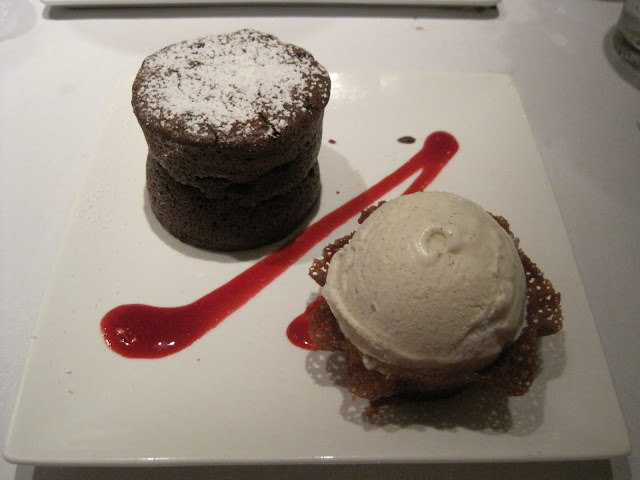 Natasha in Oz, Hawaii, Waikiki, Outrigger Reef on the Beach, Holidays, travel, Chocolate Souffle