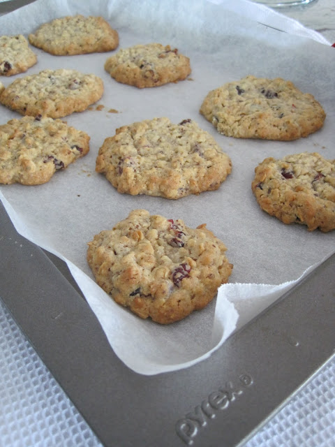baking, health benefits of milk, Milk and cookies, oatmeal cookies, Natasha in Oz, recipe