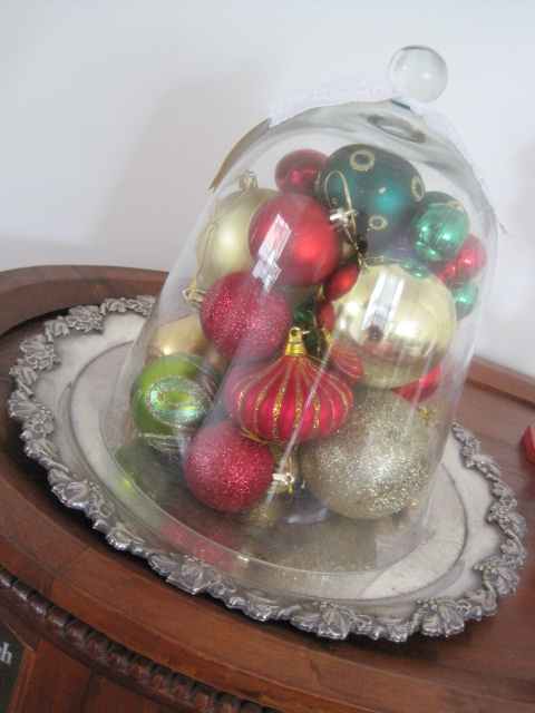 Natasha in Oz, Home Tour, Christmas decorating, Christmas cloche