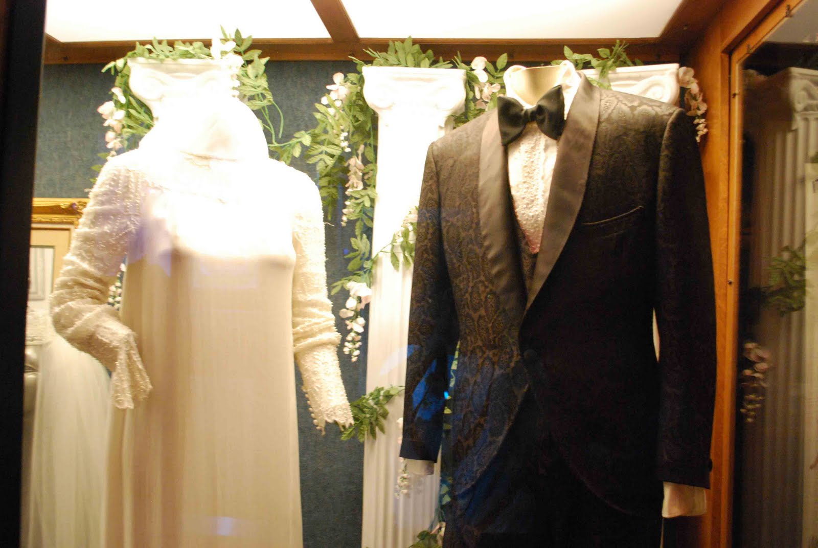 Wedding Outfits Of Elvis And Priscilla Presley