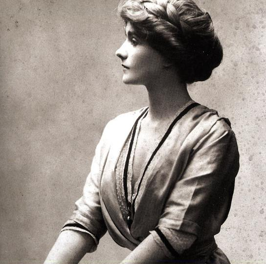 3e5fb53b VINTAGE BLOG: Coco Chanel 1910