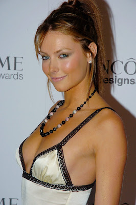 jennifer hawkins hot boobs show