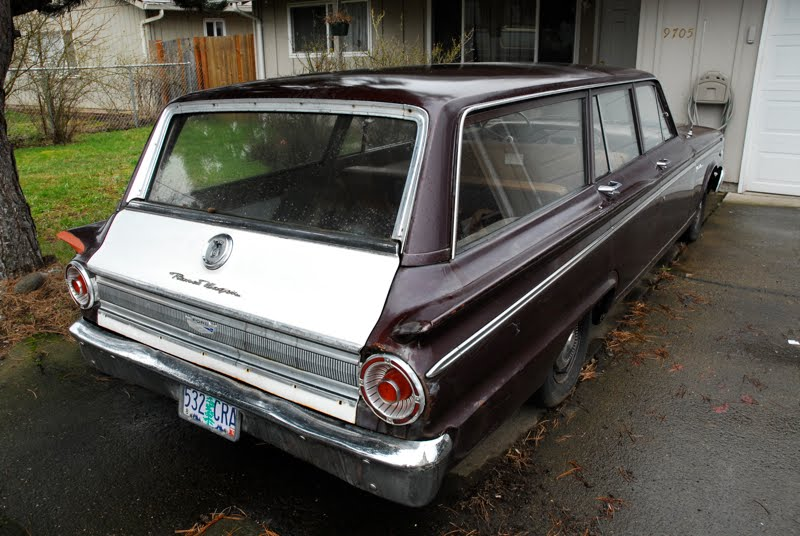 OLD PARKED CARS : 1963 Ford Fairlane Ranch Wagon 289