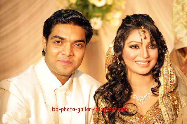 Bangladesh Media Zone: Bd Sexy Actress Prova Engagement