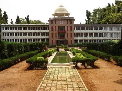 [Image: engineering-college-in-bhopal.jpg]