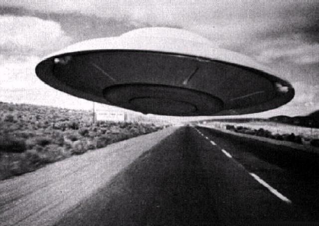 alien flying saucer - photo #3