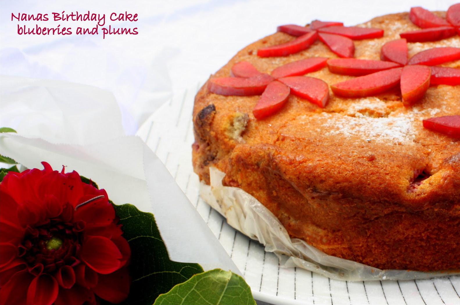 Custard Almond and Fresh Fruit Cake FoodOpera