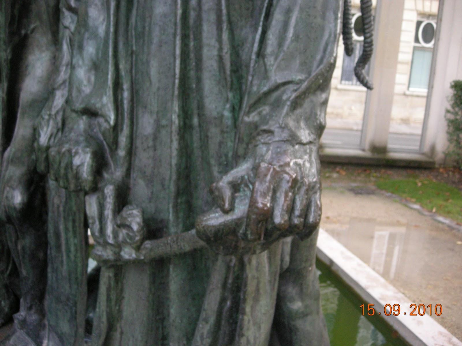 En quoi est fait la sculpture le baiser