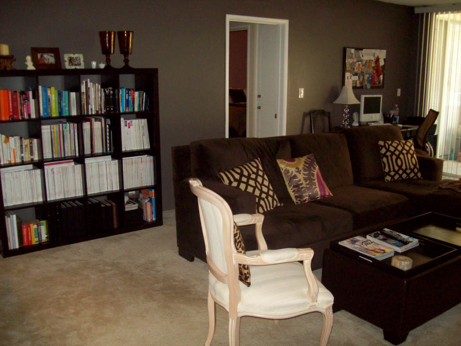 1000 images about living room on pinterest - Living room furniture with grey walls ...