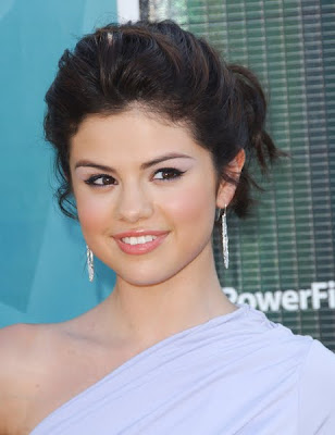 Awe Inspiring Ronweatilpost Pictures Of Selena Gomez With Bangs Hairstyles For Women Draintrainus