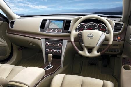 Nissan Teana Sewa rental mobil
