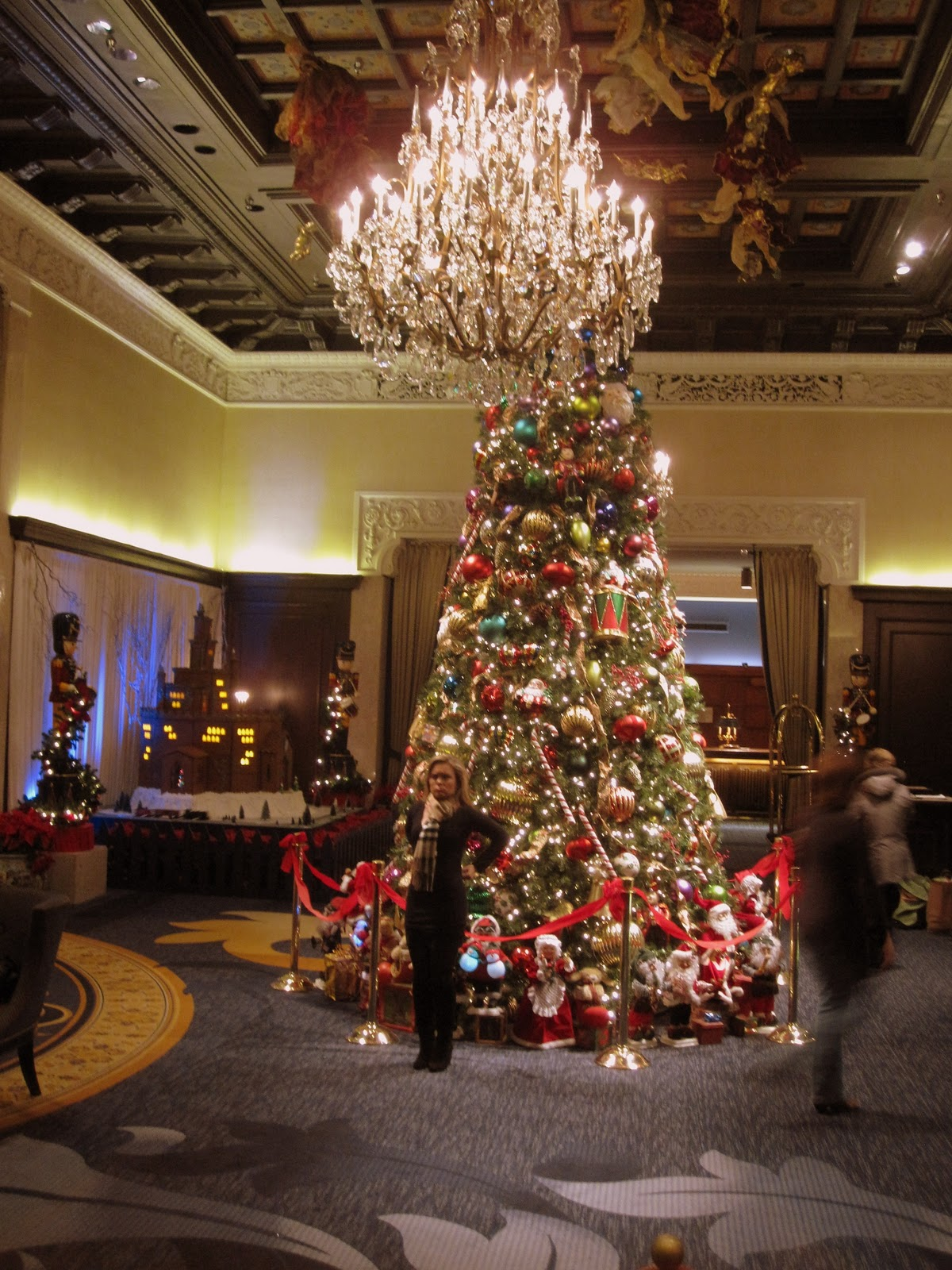 f1db83a165 Recently I was at the Drake Hotel on Michigan avenue near the top of the  Magnificent Mile when I took some holiday photos. I really like the Drake  dragon he ...
