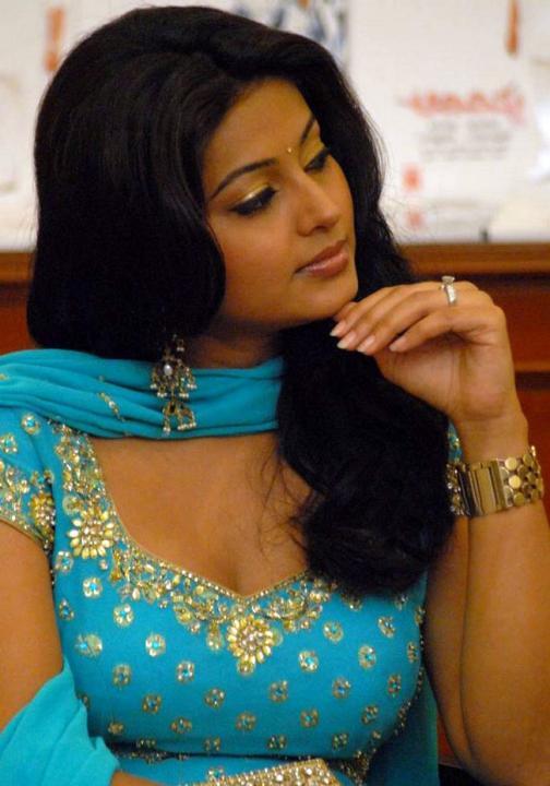 Tamil actress sneha sexy photos