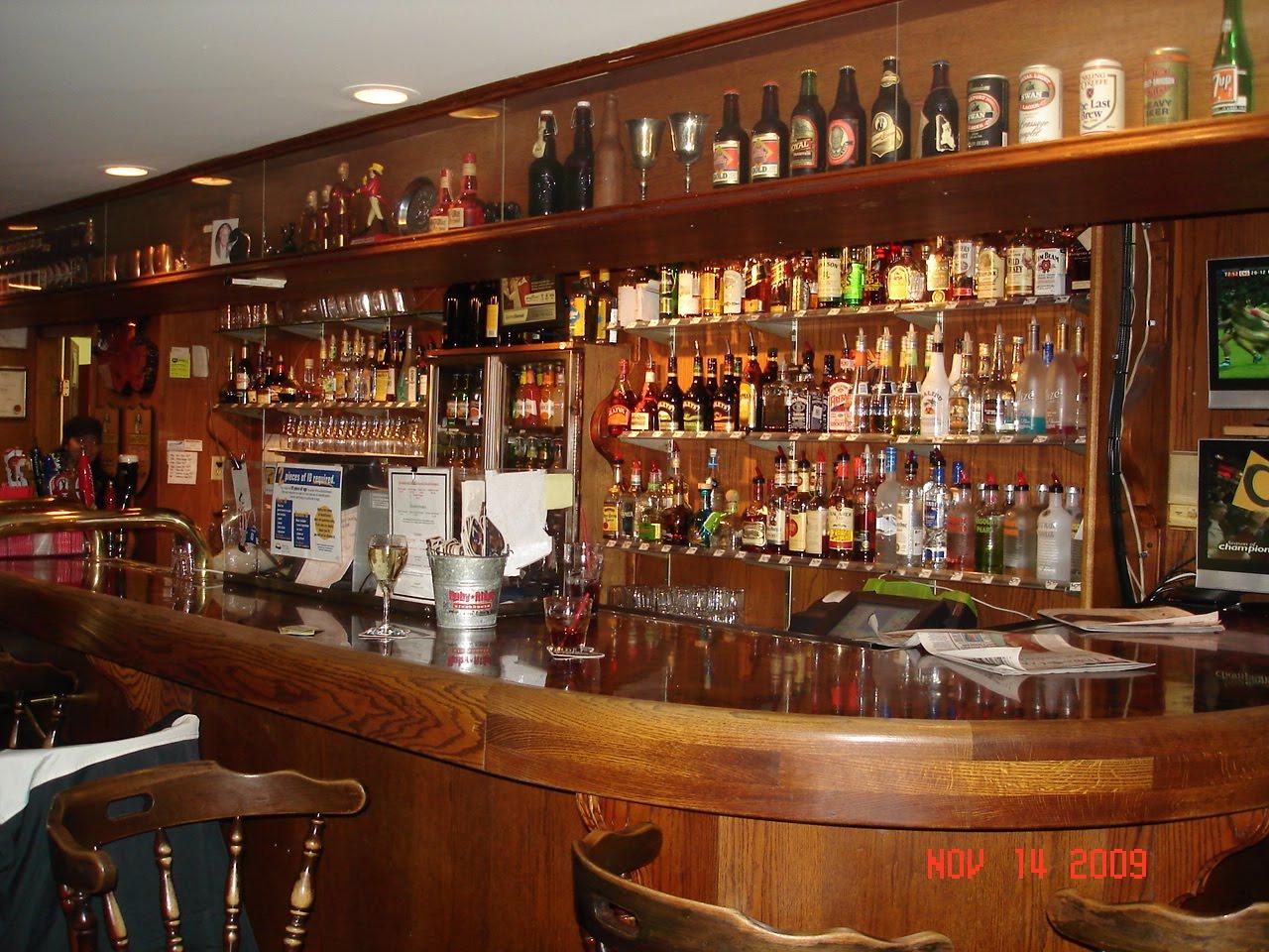 Jeeps Pubs Taverns And Bars Black Swan Pub Shawnigan