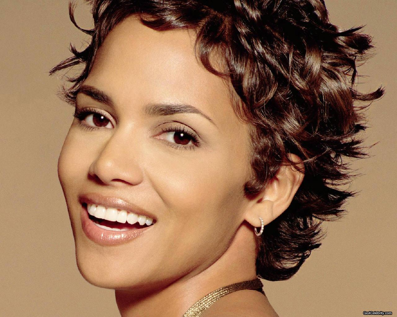 Cool Hairstyles For Men And Women Halle Berry Short Hairstyles