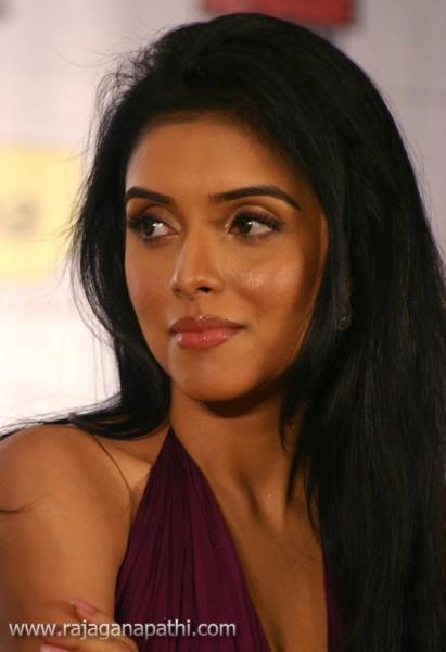 Indian Actress Asin Exclusive Latest Photo Shoot  Gateway -1390