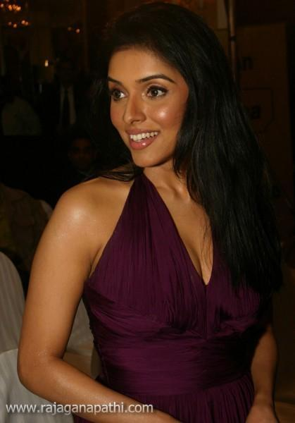 Indian Actress Asin Exclusive Latest Photo Shoot  Gateway -3220